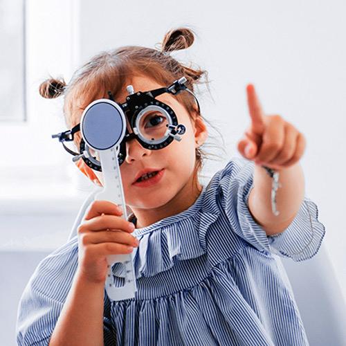 Graduación de la vista para niños, adolescentes, familias y personas mayores en Ponferrada, óptica García Mazaira